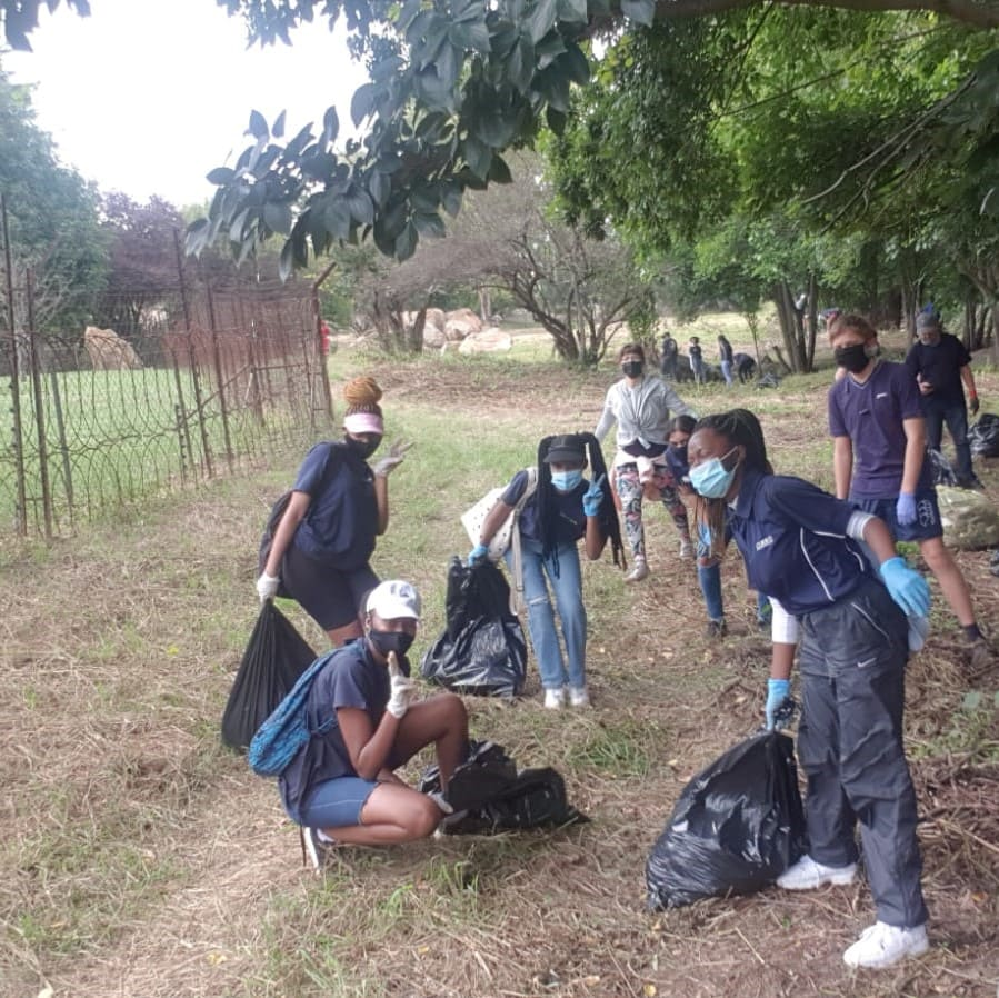 River clean up - JustOneThing365 Tribe Volunteering